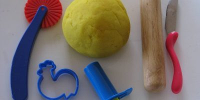 how to make play dough - simple recipe for great play dough every time by learning 4 kids