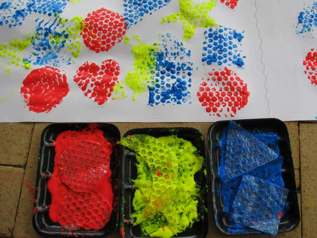 Bubble wrap painting learning shapes learning 4 kids for Arts and craft paint