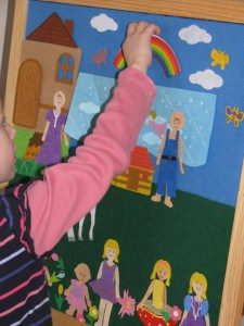 Entering the imaginary world with felt play