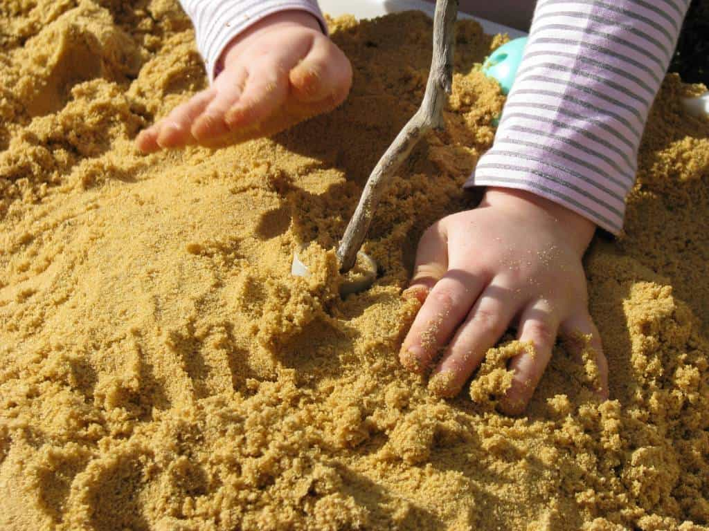 sensory play with sand learning 4 kids. Black Bedroom Furniture Sets. Home Design Ideas