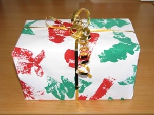 Christmas sponge painting gift wrap