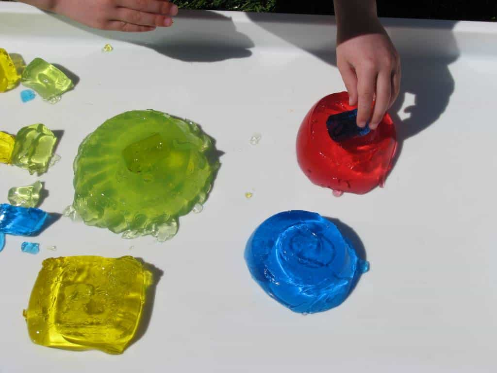 Sensory Play with Jelly | Learning 4 Kids