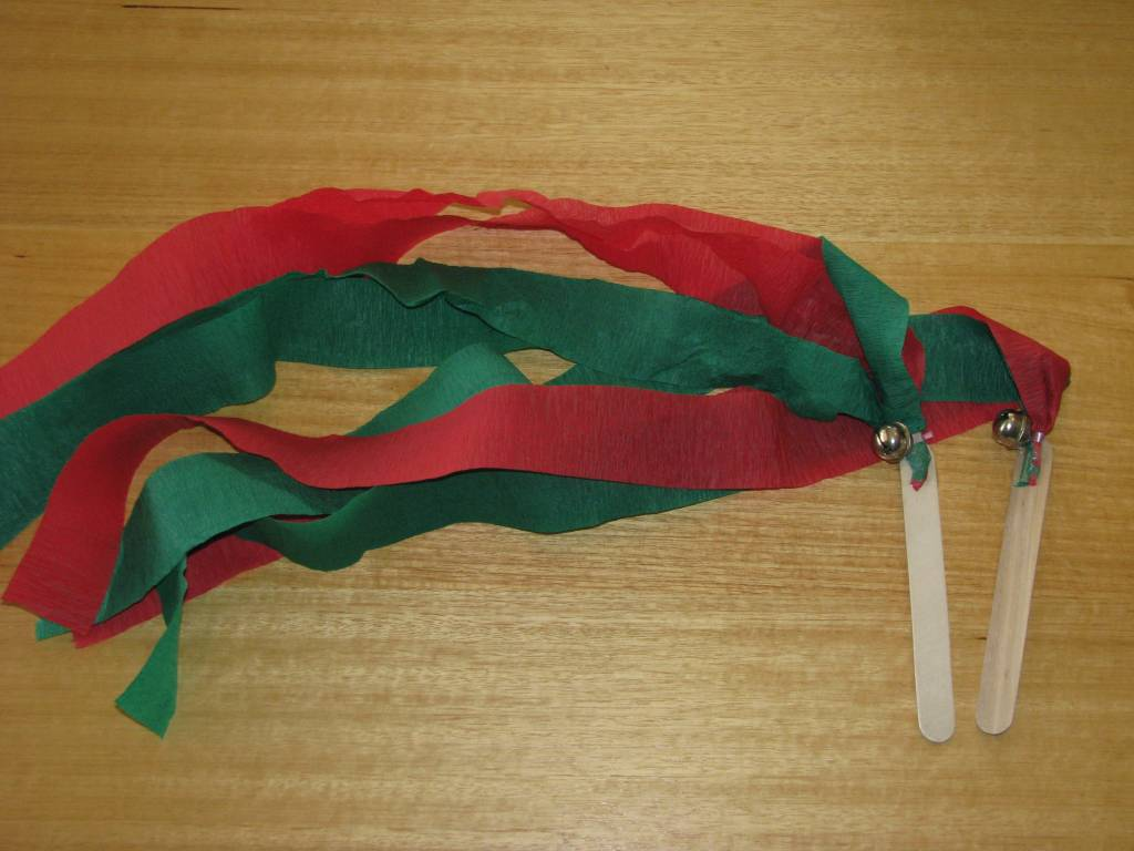 Christmas Crafts For Kindergarten Students : Christmas streamers craft preschool education for kids