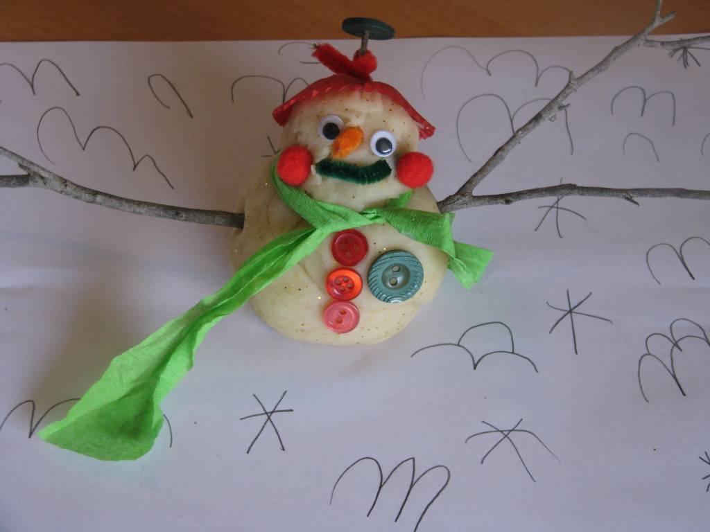 Christmas Play Dough Snowman | Learning 4 Kids