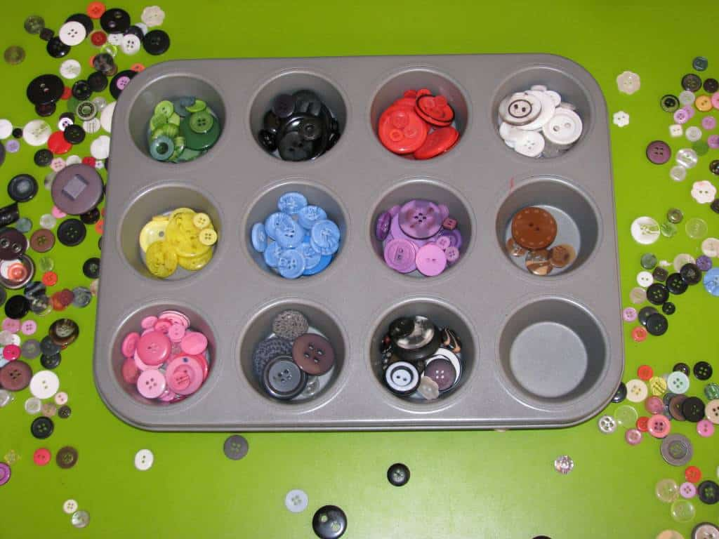 sorting buttons learning 4 kids