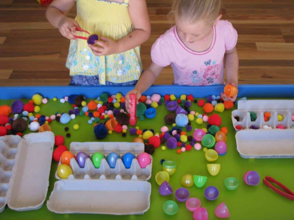easter sensory play table | learning 4 kids