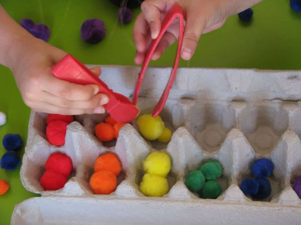 List Of Fine Motor Play Activities Learning 4 Kids