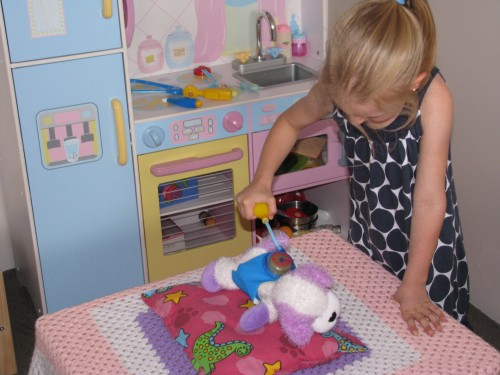 what is imaginative play and how to encourage it