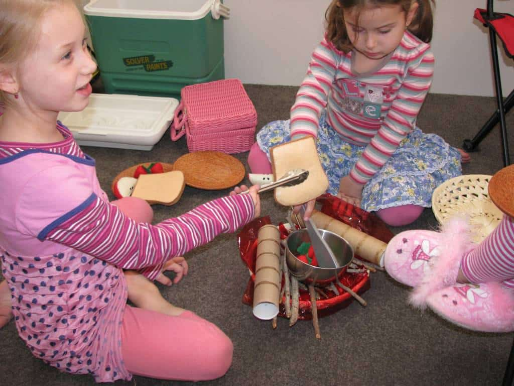 The Role Of Imaginative Play In Life Of >> List Of Imaginative Play Ideas Learning 4 Kids