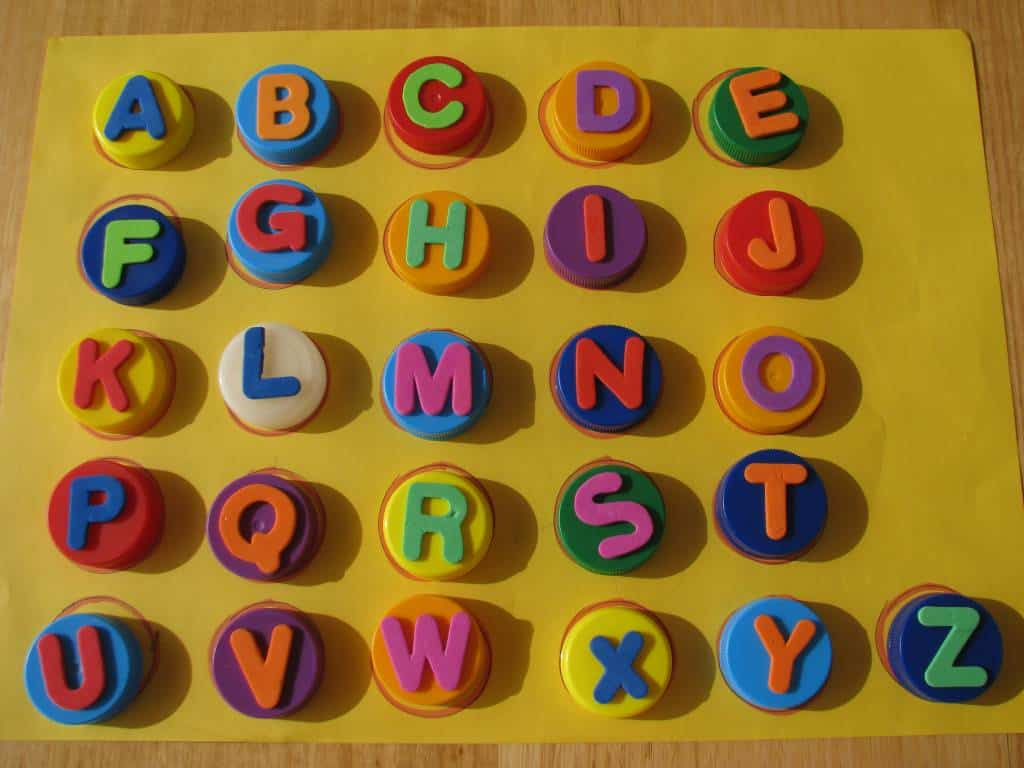 simple alphabet activities for kids and toddlers matching alphabet letters