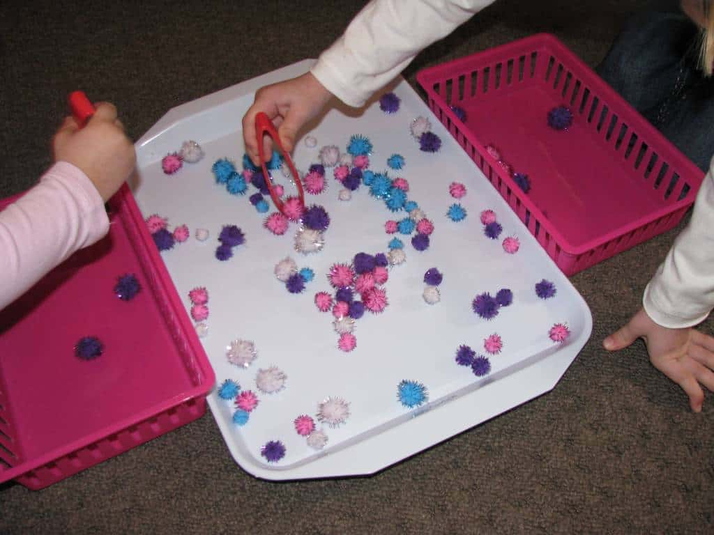 List of fine motor play activities learning 4 kids for Four year old fine motor skills
