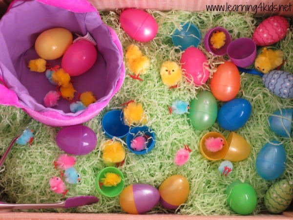 How to set up a easter sensory box - invitation to play