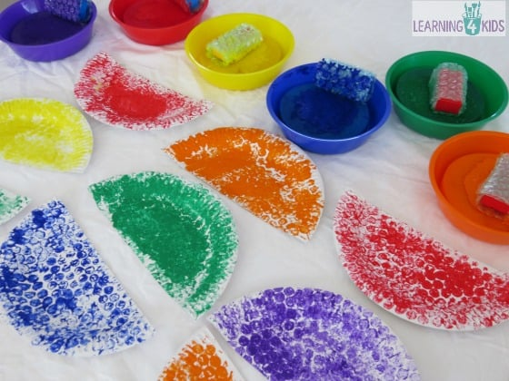 Painting with bubble wrap to make a car craft