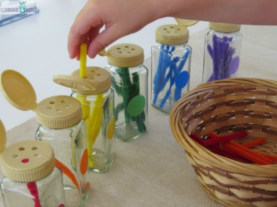 Sorting by colour activity for kindergarten by learning 4 kids