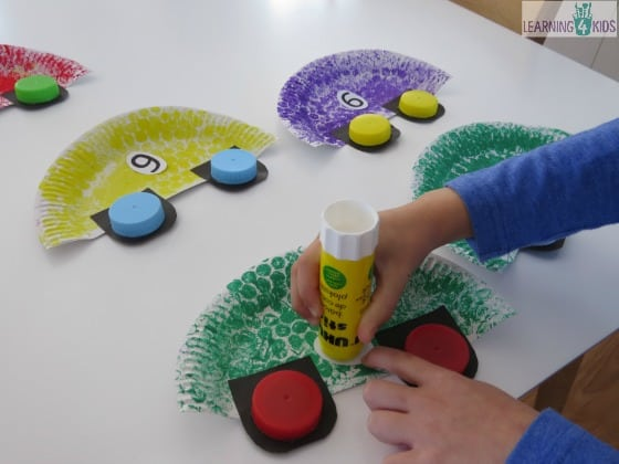 Car craft activity for kids learning 4 kids for Crafts to make with toddlers