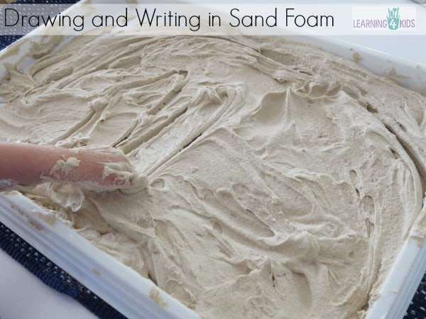 drawing and writing in sand foam by learning 4 kids