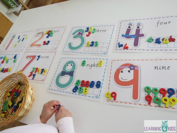 Number activity, recognising numbers using printable number mats