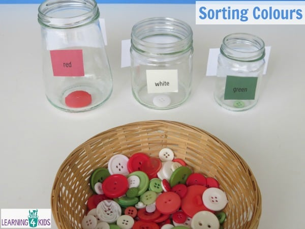 Sorting coloured buttons - coloured recognition activity