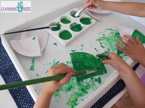 painting paper plate christmas tree craft