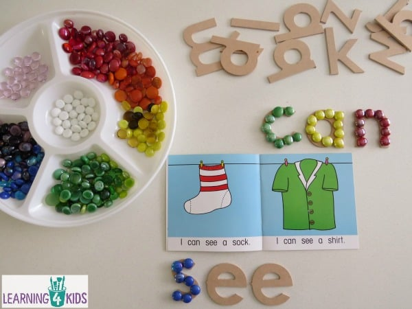 Sight words and early reader activity.  Great for guided reading activities.  Free printable sight word cards at Learning 4 Kids.