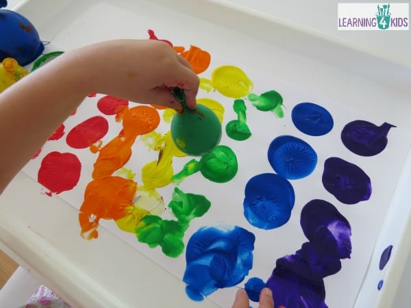 art fun painting with balloons